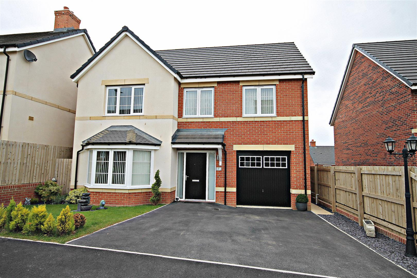 4 Bedrooms Detached House for sale in Springwood Close, Browney, Durham